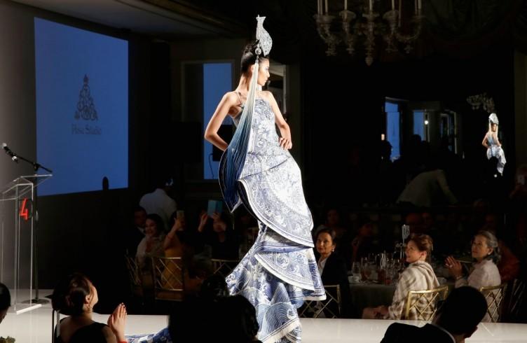 Fashion e charity. Così gira la moda per le First Ladies 10