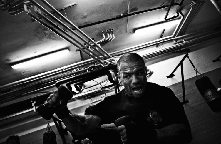 3. ITALIA. Firenze, 7 ottobre 2011. Leoard Bundu durante gli allenamenti in preparazione dell'incontro valido per il titolo europeo dei pesi welter.