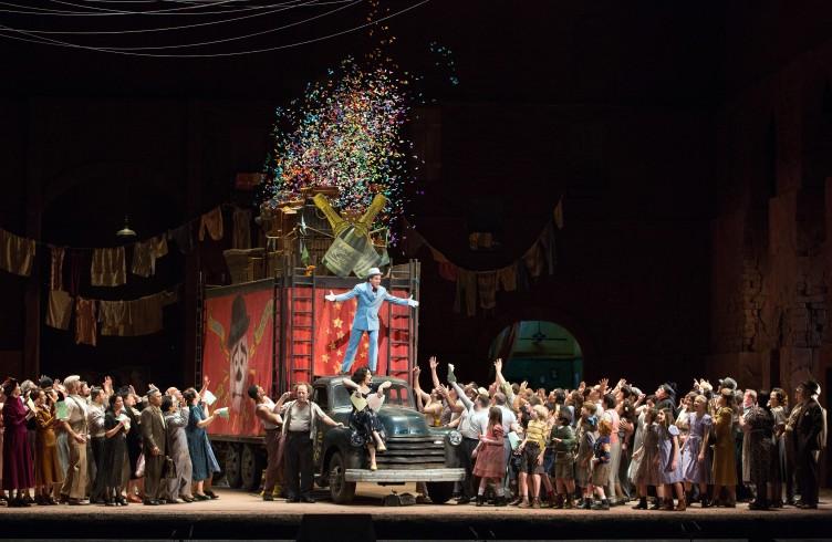 """Una scena dai """"Pagliacci"""", di Leoncavallo. Photo by Marty Sohl/Metropolitan Opera."""