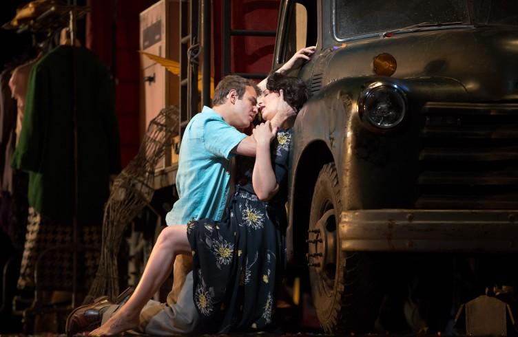 """Alexey Lavrov come Silvio e Barbara Frittoli come Nedda nei """"Pagliacci."""" Photo by Marty Sohl/Metropolitan Opera."""