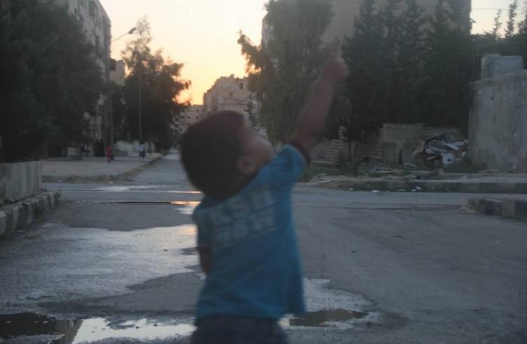 Ma vicino i razzi continuano a cadere (foto di Mohammed Darweesh)